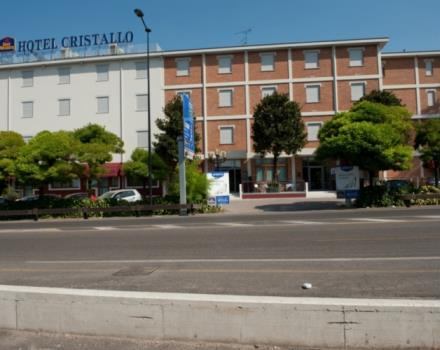 Looking for hospitality and top services for your stay in Mantova Cerese di Virgilio? Choose Best Western Hotel Cristallo